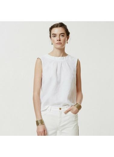 Yargıcı Kırma Detaylı Bluz Beyaz